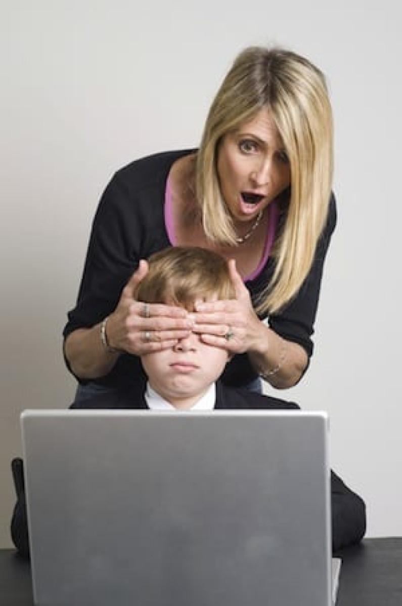 Çocukların üçte ikisi internette kötü bir deneyim yaşıyor