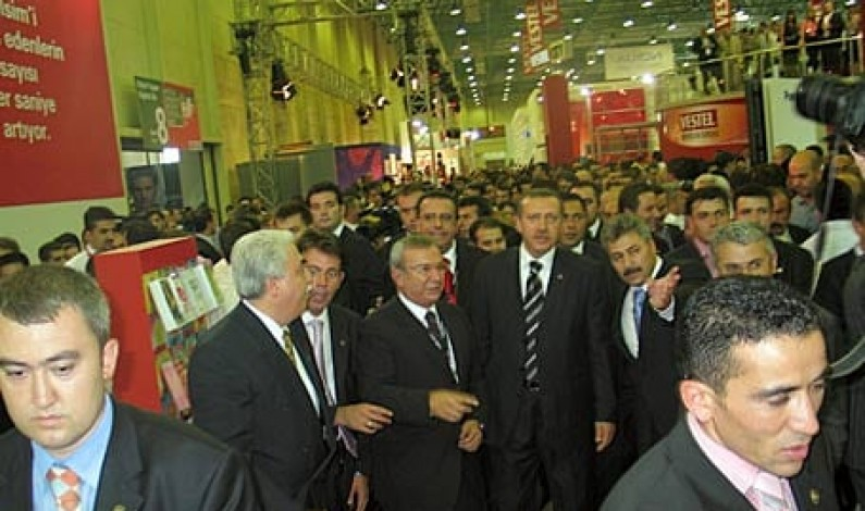 Başbakan CeBIT'e katılıyor