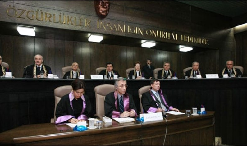"Anayasa Mahkemesi TİB'e ""tatava yapma hemen aç"" dedi"