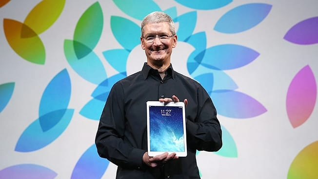 tim-cook-ipad-air-hed-2013